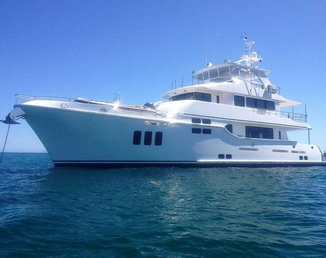 N86 motor yacht hull 10
