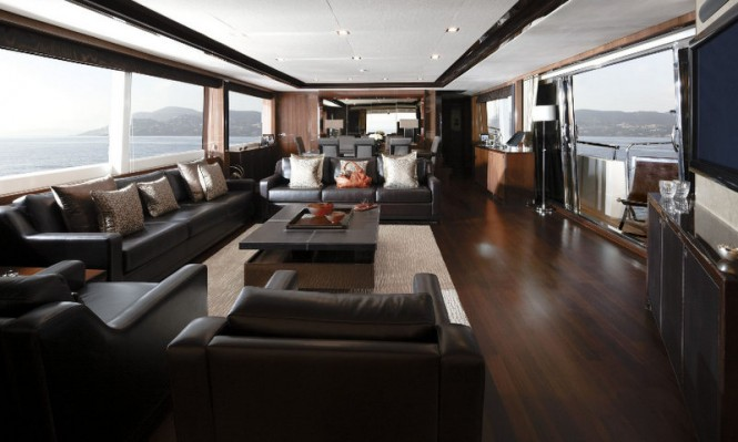 Princess 32M Superyacht Saloon