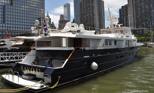 38m superyacht Bayou by Breauxs Bay Craft anchored at North Cove in NYC