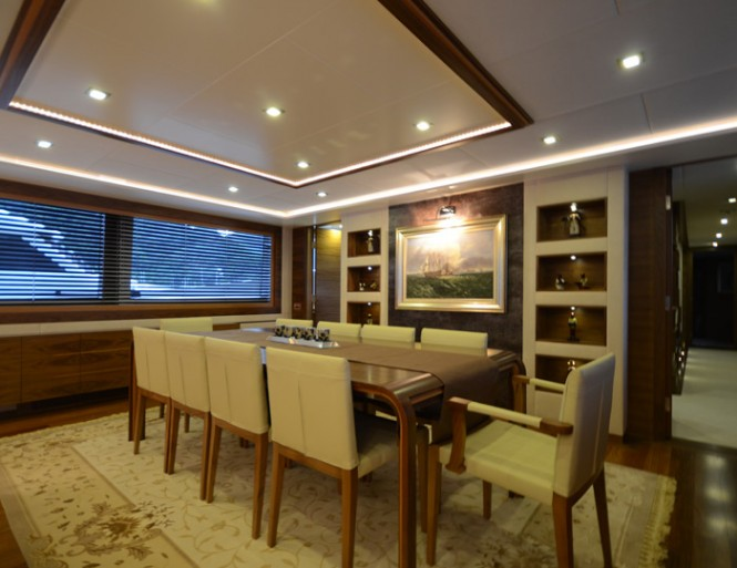 41m motor yacht My Steel Dining