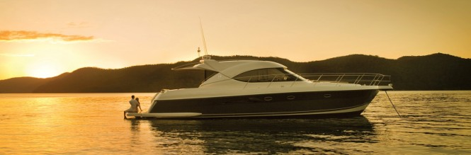 A new Riviera 5000 Sport Yacht is bound for Florida USA