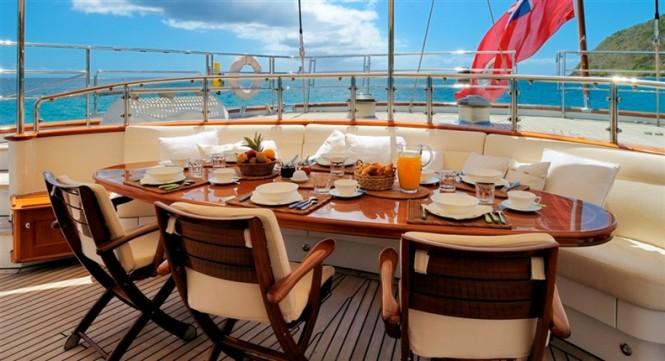 Al-fresco dining aboard charter yacht Drumbeat (ex Salperton)