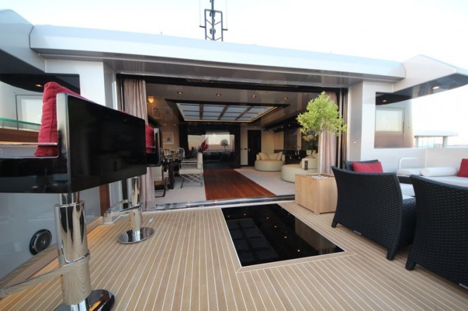 Bilgin 132 motor yacht M upper deck aft lounge