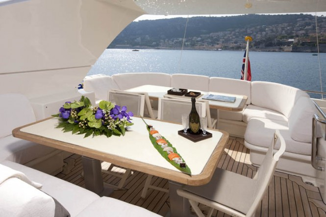 LA MASCARADE Yacht -  Al Fresco Dining