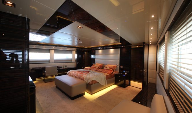 Luxury Motor Yacht M - Owner Stateroom