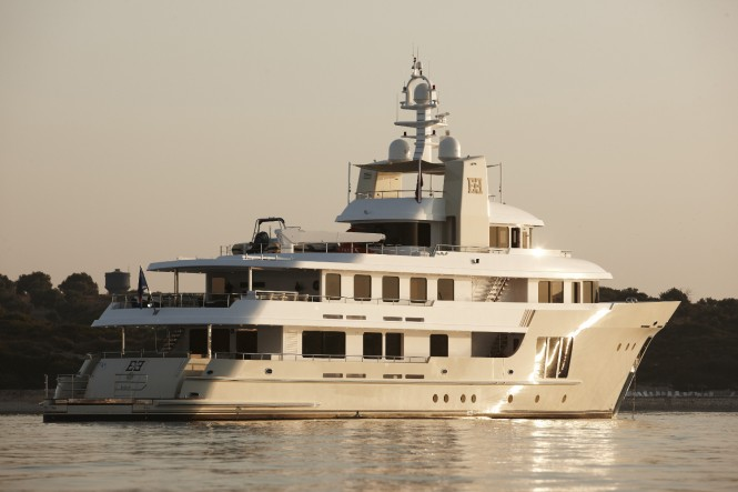 Luxury charter yacht E&E designed by Vripack