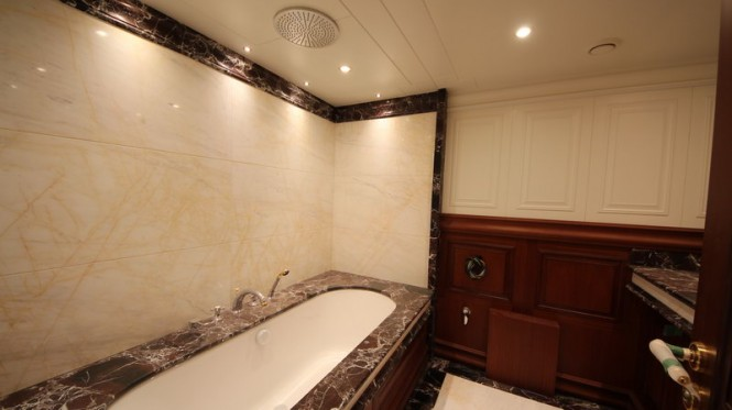 Luxury Yacht Bilgin 160 Classic Guest Bathroom Luxury Yacht