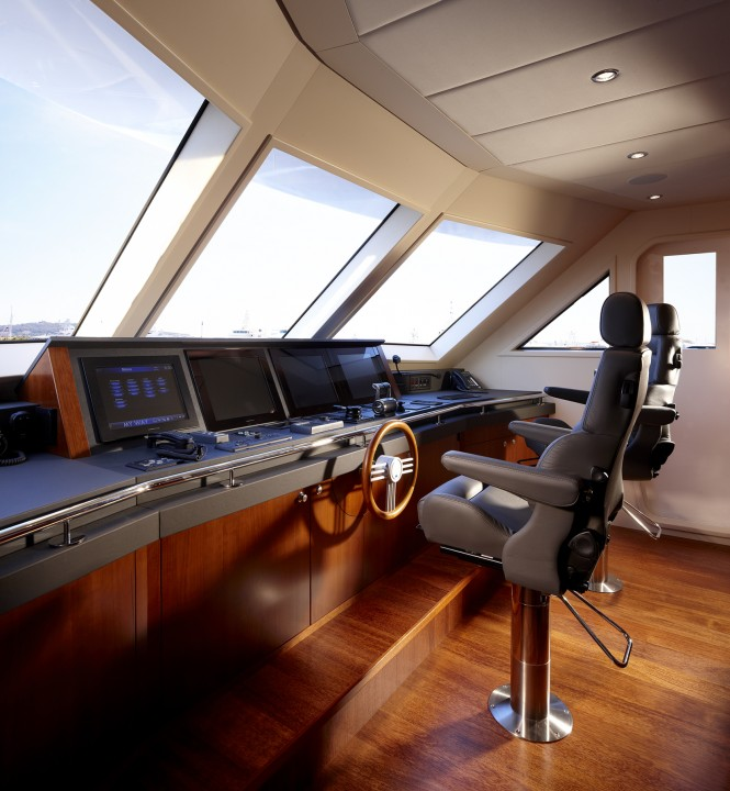 Luxury yacht My Way Wheelhouse