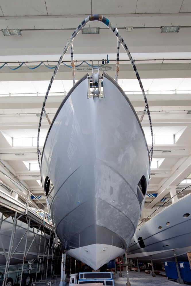 Luxury yacht Pershing 82