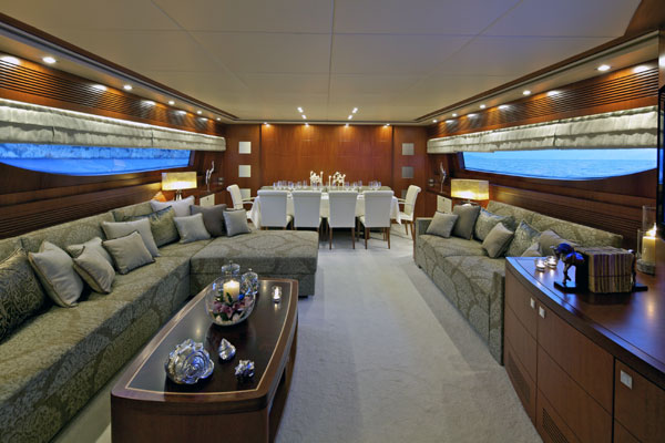 Marnaya yacht - Salon and dining area