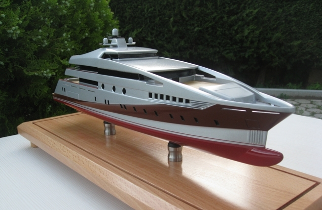Model of the 59m superyacht Project 591