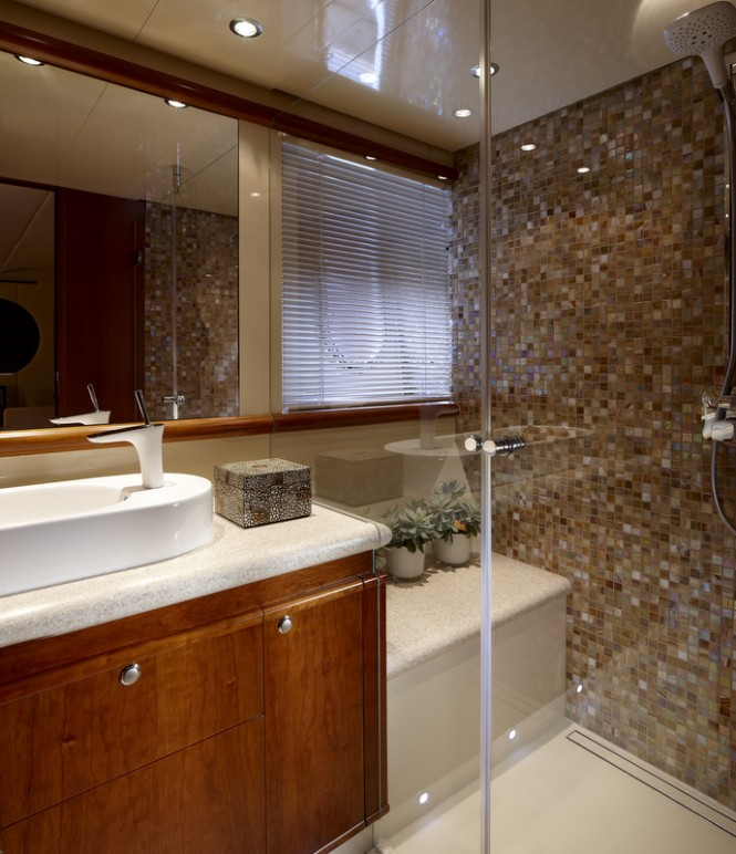 Moonen luxury yacht My Way (hull YN 196) Bathroom