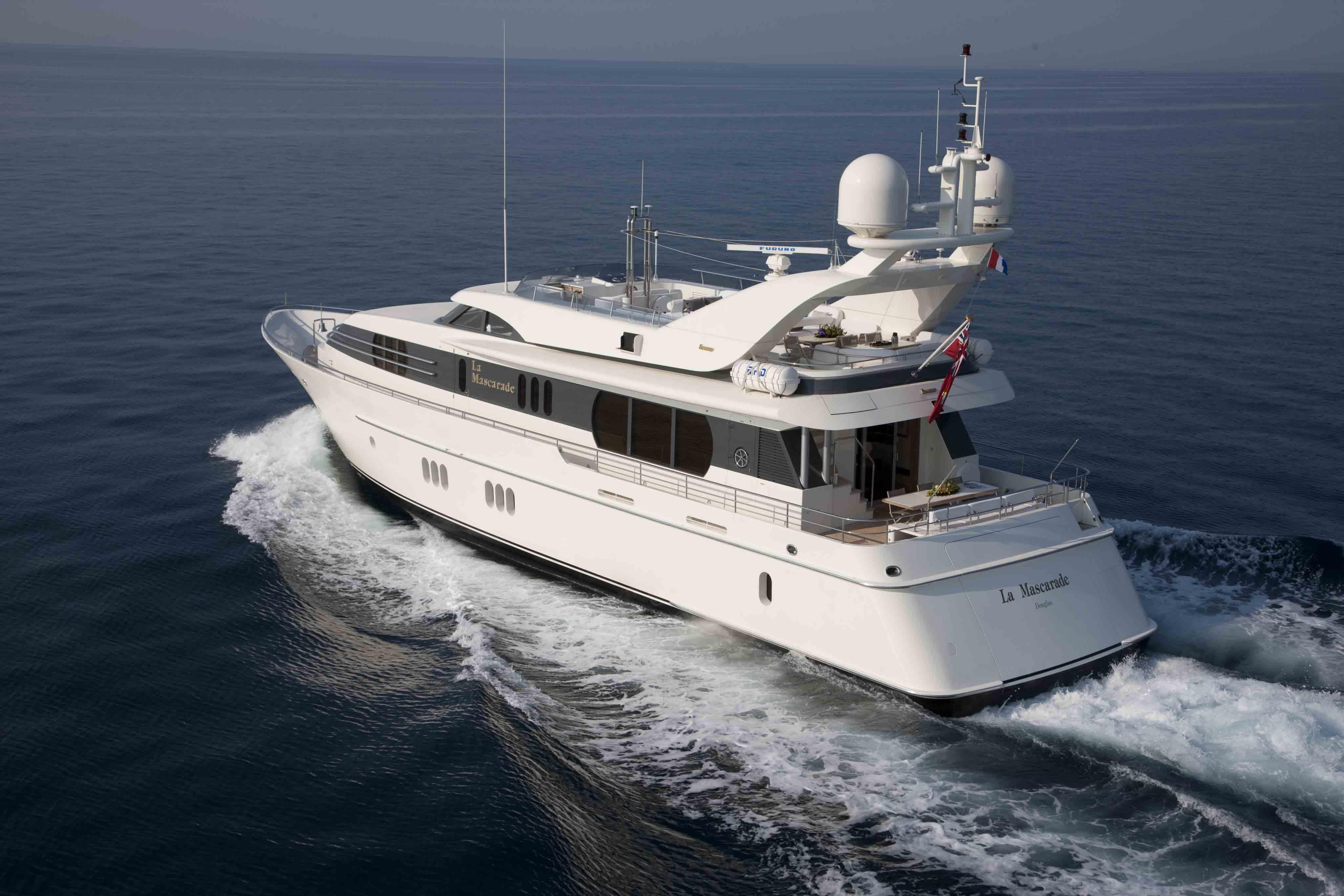 Motor Yacht La Mascarade Cruising Yacht Charter