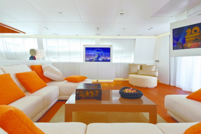 Superyacht Diamond Main Saloon