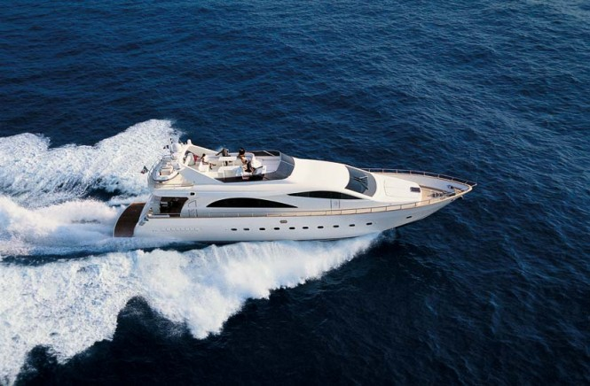 Amer 86 Superyacht running