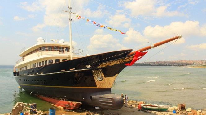 Bilgin 160 Classic Yacht being Launched