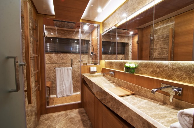 Electra superyacht - Master cabins bathroom
