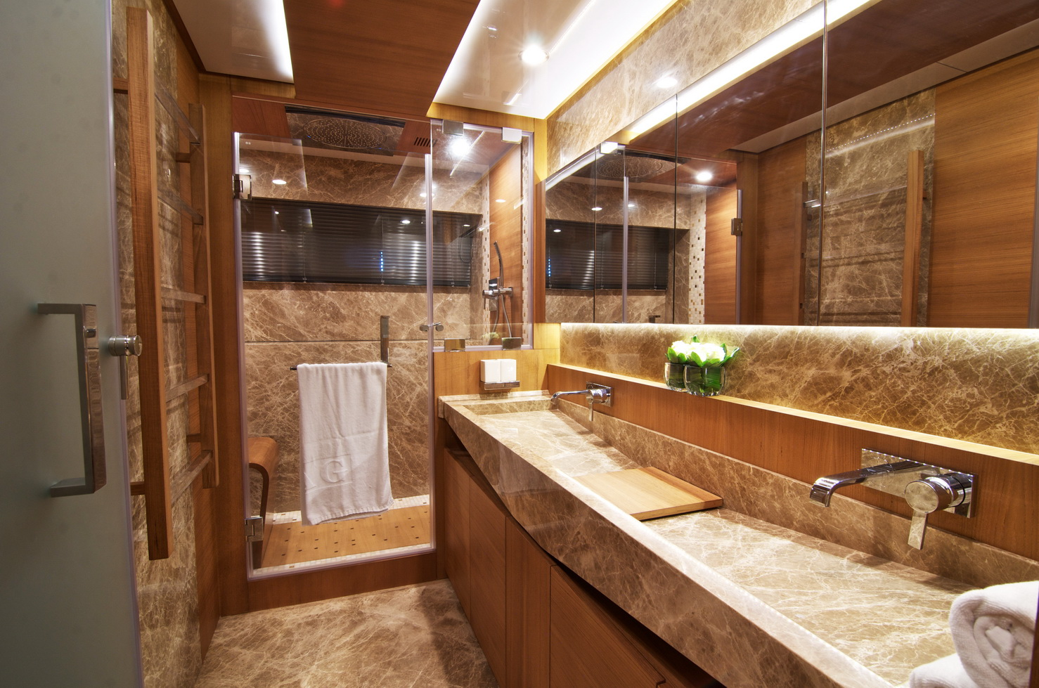 Bathroom Images Of The IAG 100 Luxury Yacht ELECTRA By IAG Yachts