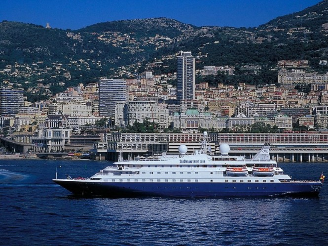 Luxury mega yacht Sea Dream in Monaco