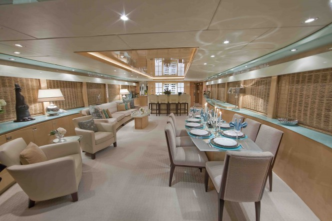Luxury motor yacht Diamond Girl - Salon