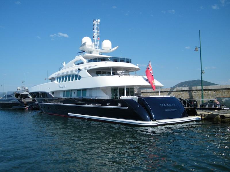 Luxury Motor Yacht Raasta Luxury Yacht Charter