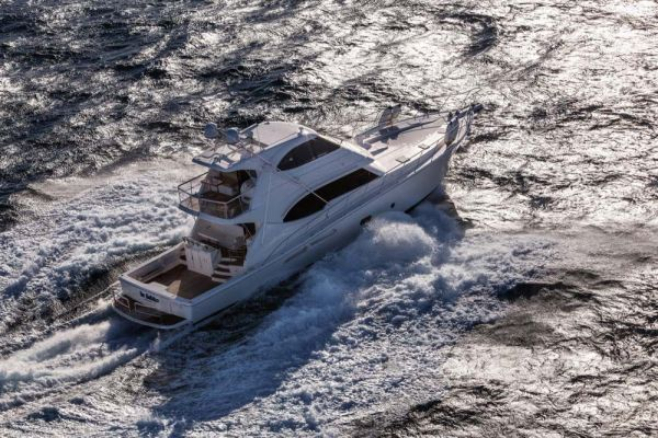 Luxury yacht 75 Enclosed Flybridge by Riviera Yachts Photo Credit: Riviera