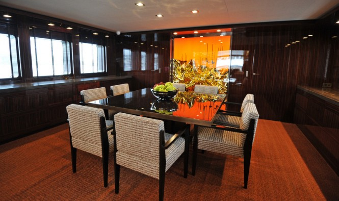 Motor yacht A2 - Dining