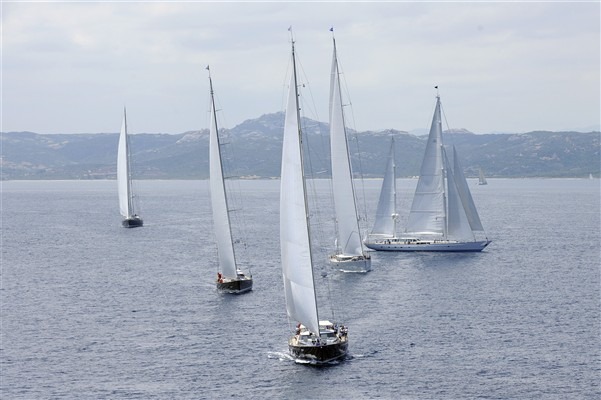 Spectacular Dubois superyachts competing in the Dubois Cup 2011