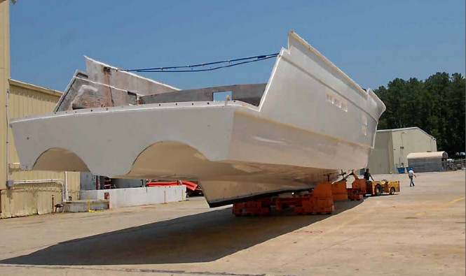 Stern View of the 100 Raised Pilothouse superyacht