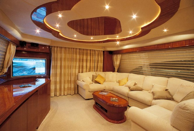 Superyacht Amer 86 - Main Saloon