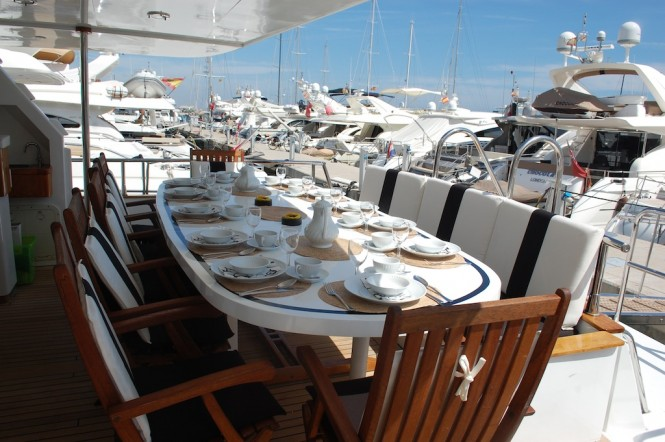 Superyacht Lady Tatiana of London - Al Fresco Dining