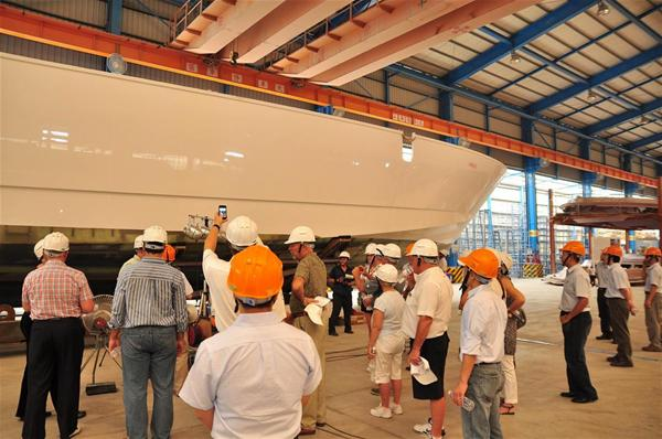 The guided tours illustrating shipyard features and technology