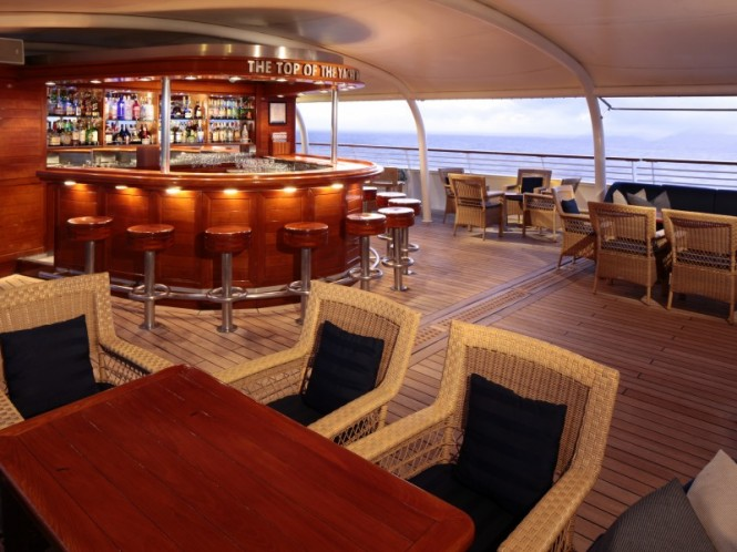 Top Of The Yacht Bar - Luxury yacht SeaDream