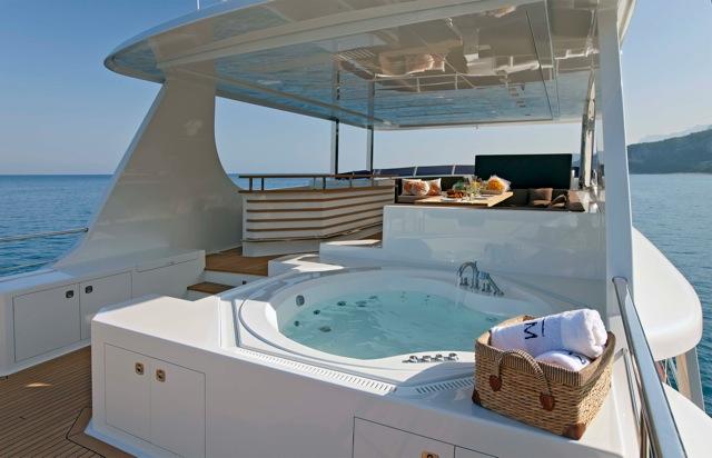 Vicem 107 yacht Moni Sundeck