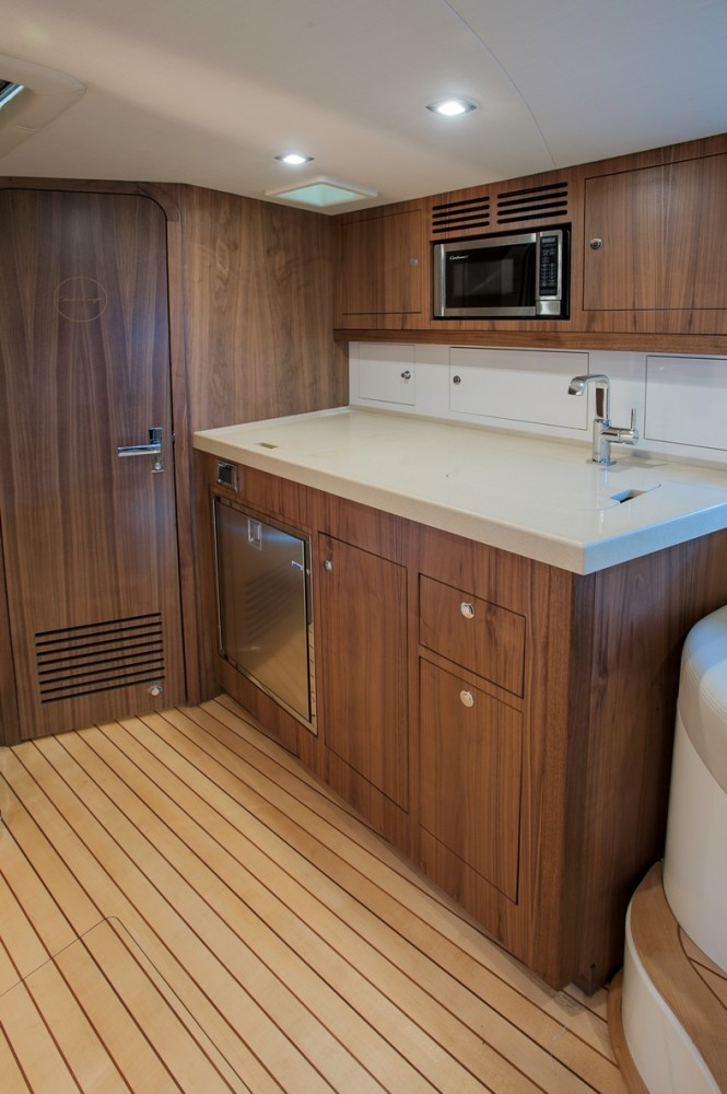 36 Corsair yacht - Galley