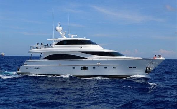 Horizon E88 motor yacht Arabella II
