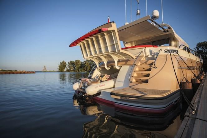 Luxury Yacht Mulder Convertible 72