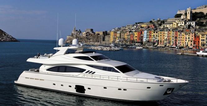 Luxury motor yacht Ferretti 881 RPH in Italy