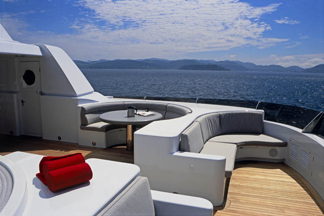 Luxury yachtTRITON Flybridge - Image by Delta Marine