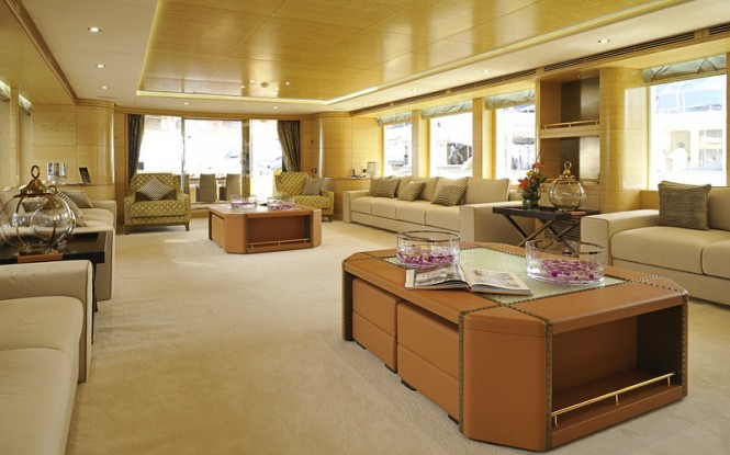 Luxury yacht Majesty 135 - Main Saloon