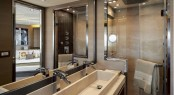 MCY 70 Yacht - Bathroom