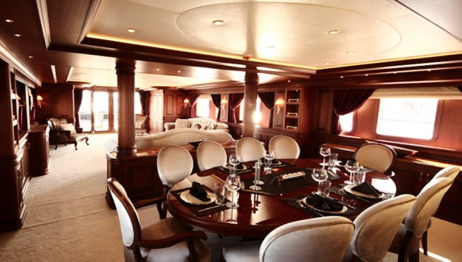 M&M superyacht - Dining
