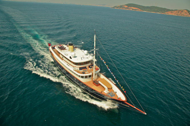 M&M superyacht - view from above
