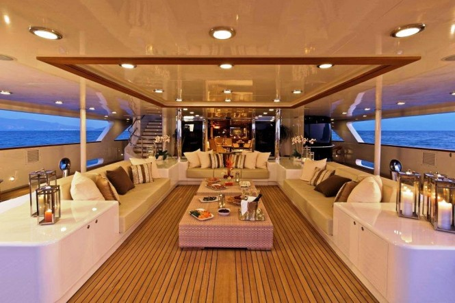 Main Deck - O&#039;MEGA yacht
