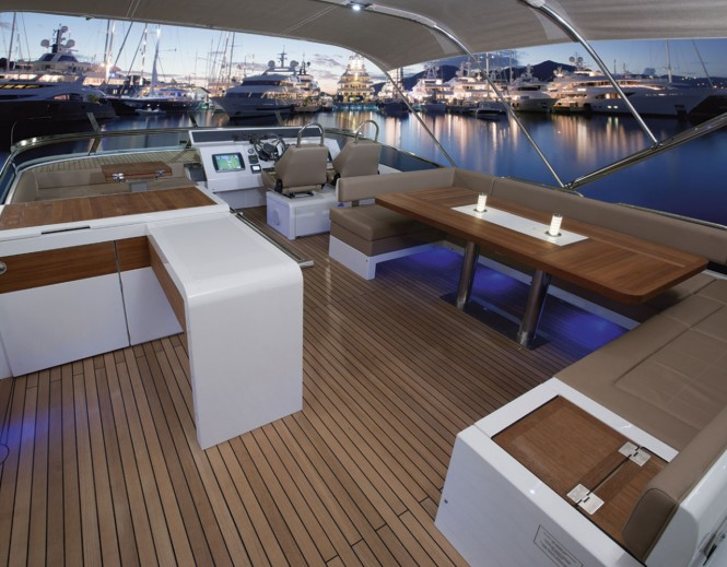 Squadron 78 Custom yacht - Flybridge