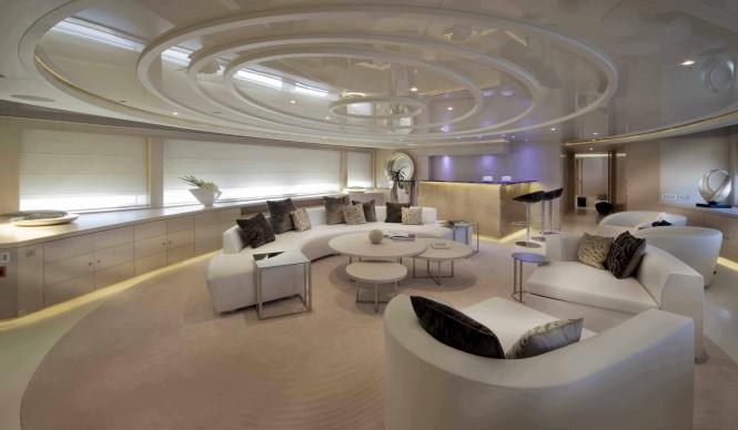 Upper Salon of the DARLINGS DANAMA motor yacht
