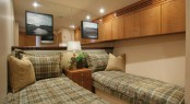 Hatteras 77 yacht - Twin Cabin