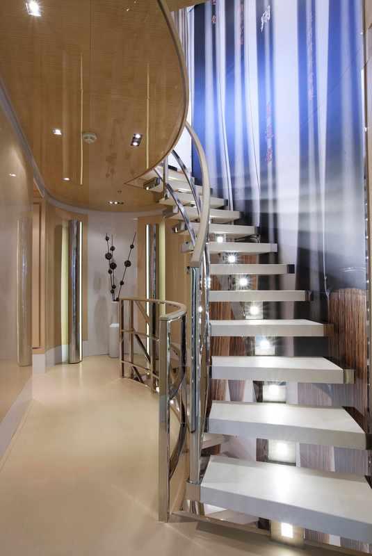 La Pellegrina superyacht - Staircase
