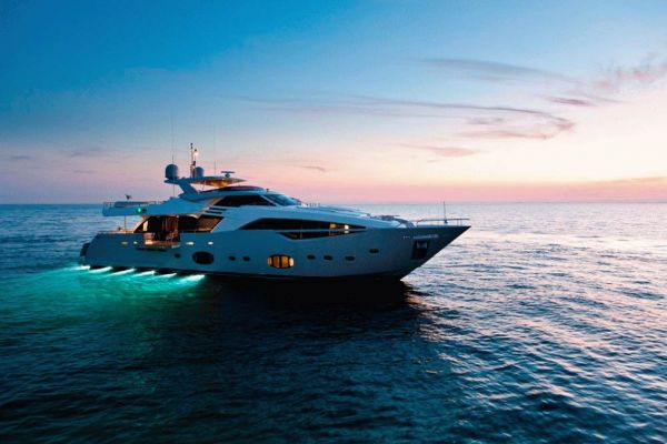 Luxury yacht Custom Line 100´ - Photo courtesy of Ferretti Yachts