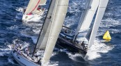 Maxi Class mark rounding - Photo by Rolex Carlo Borlenghi